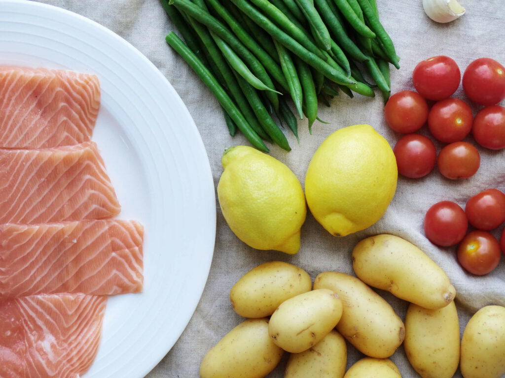 Daddelicious - Roasted salmon with summer vegetables